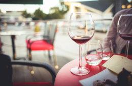 wine-session-with-friends-picjumbo-com