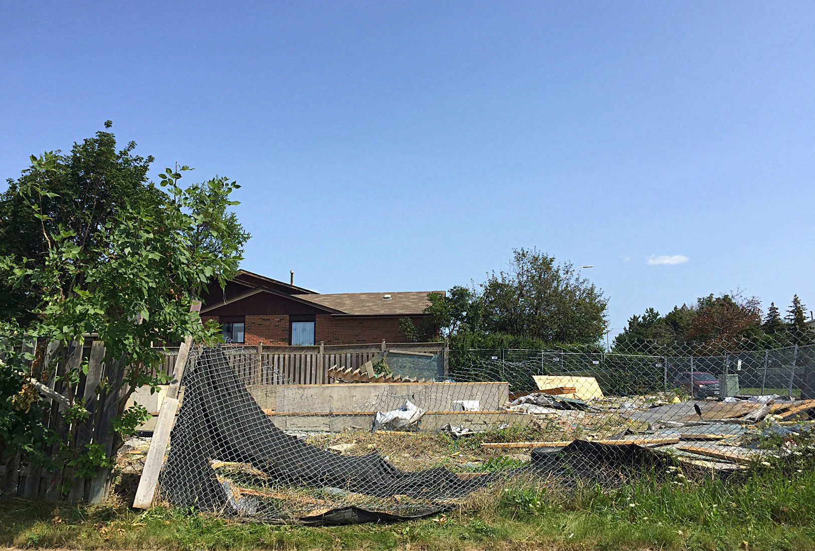 brampton's big blue house is finally gone for good | bramptonist