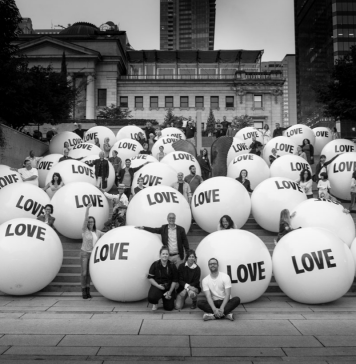 say it bigger vancouver art gallery by bob garlick